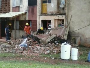 Eldorado: se desplomó el lavadero del segundo piso de un edificio y de milagro no hubo heridos