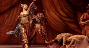 El Ballet del Centro del Conocimiento despide el año con una función en la plaza 9 de Julio