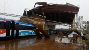 La tormenta en Garupá dañó el galpón donde se guarda el tren internacional