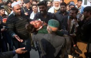 Masacre en Pakistán: 132 muertos en una escuela, la mayoría chicos, por un ataque talibán