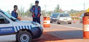 Dos vándalos fueron apresados por atacar a pedradas a los autos en el Acceso Sur