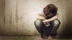 Detienen a una mujer por castigar a su hijo de 6 años con un látigo en La Rioja
