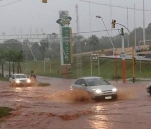 Fuerte lluvia provocó anegamientos en Puerto Iguazú