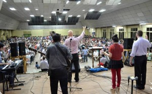 Reflexión dominical del pastor Decena: Llamados a derribar