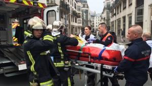 Atentado terrorista contra la revista Charlie Hebdo en París dejó menos 12 muertos