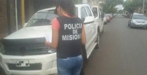 Hallan abandonada la camioneta en la que se movilizaban presuntos estafadores