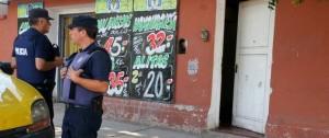 Mendoza: una beba de ocho días murió ahogada en una pileta de lona: investigan a su mamá