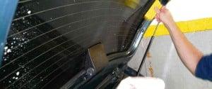 Pese a que está prohibido, el 60% del parque automotor posadeño tiene vidrios polarizados