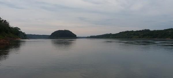 Investigan la  desaparición de dos pescadores en Oberá