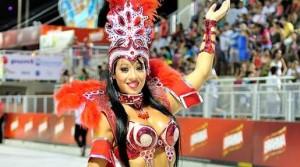 Diosas posadeñas en el carnaval de Encarnación: <em>para Yanet es fantástico</em>