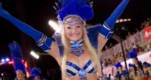 Diosas posadeñas en el Carnaval de Encarnación: <em>a Soledad le apasiona transmitir lo que le sucede cuando baila</em>