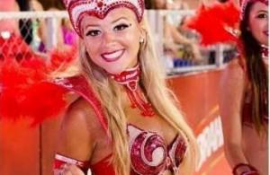 Diosas posadeñas en el carnaval de Encarnación: <em>Flor divertida</em>