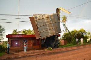 Unas 30 familias fueron afectadas por el temporal en Eldorado