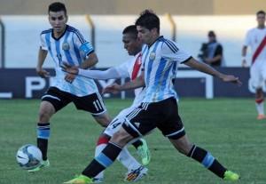 Argentina se recuperó de la caída ante Paraguay con una goleada a Perú