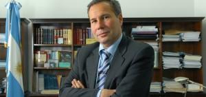 """El Gobierno calificó la presentación de Nisman como """"ridícula"""" y """"un manotazo de ahogado"""""""