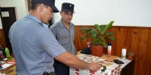 Allanan una casa buscando elementos robados y de paso secuestran cigarrillos contrabandeados