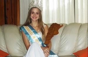 La obereña Micaela Rossler es la Virreina Nacional de Reinas Nacionales