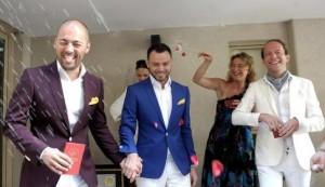 Dos hombres rusos vinieron a Argentina para poder casarse y lo hicieron hoy