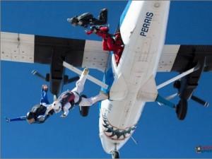 Dos paraguayas figuran entre las mejores paracaidistas del mundo