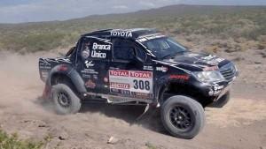 """Orly"" Terranova volcó, pero se mantiene en carrera en el Dakar"