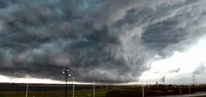 Tanto en Azara como en El Alcázar lograron solucionar los inconvenientes  tras las fuertes tormentas