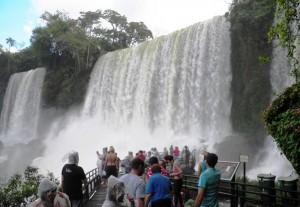 Excelente primer fin de semana de 2015 para Cataratas con más de 10 mil personas en el Parque Nacional Iguazú