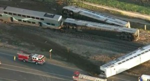 Espectacular accidente de trenes en California: más de 30 heridos