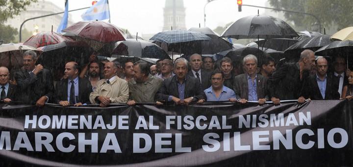 """Con apoyo de la oposición, los fiscales concretaron su """"marcha del silencio"""" a Plaza de Mayo"""
