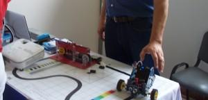 Presentaron un robot educativo en el Congreso del Consudec