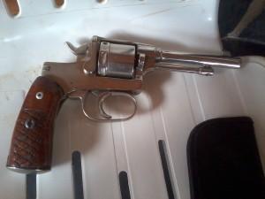 Posadas: un chico de 10 años hirió a otro de 9 de un balazo, mientras manipulaba un revólver