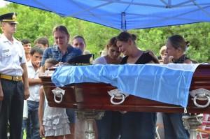 Ballesteros fue despedido como un héroe y ascendido post-morten a suboficial mayor