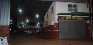 Banda armada golpeó brutalmente a una mujer policía y robó 40 mil pesos de una empresa de colectivos