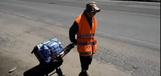 Una mujer de 91 años va caminando desde Tucumán a Luján para pedir por la paz en el mundo