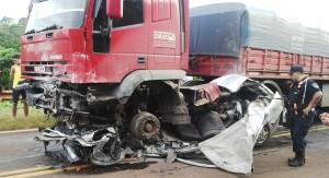 Hombre de 37 años perdió la vida en brutal choque frontal sobre la ruta 12, en Leoni
