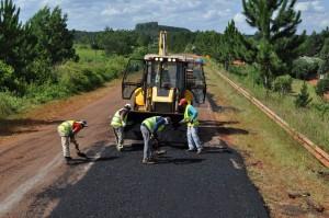 Licitan obras de restauración de la ruta 4