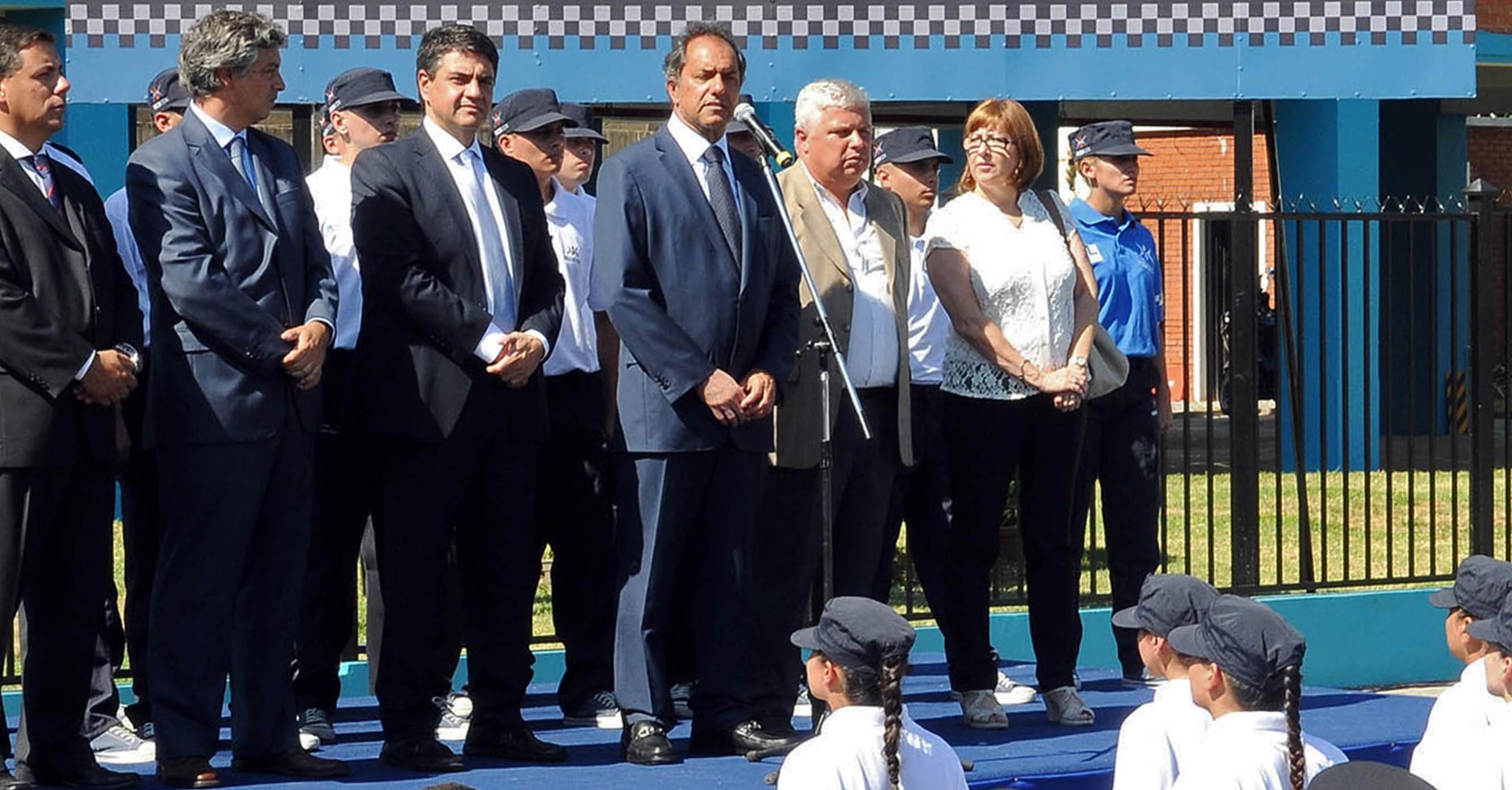 Scioli inauguró el ciclo lectivo de la Policía Local en Vicente López y San Martín
