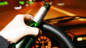 Posadas: detuvieron a un joven con 1.88 de alcohol que rozó a otro auto, chocó una moto y embistió un árbol