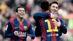 Con una exhibición de Messi, Barcelona goleó al Levante y quedó a un paso del Real Madrid