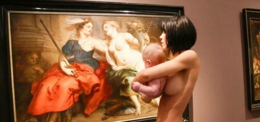 Mirá el video de la artista que se paseó desnuda con un bebé por un museo alemán