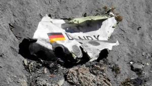Tragedia aérea en los Alpes: un pasajero alcanzó a hacer un video de los últimos segundos del vuelo