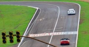 Piloto de carrera por un día: el domingo giran en el Rosamonte los autos de calle, cualquiera puede anotarse