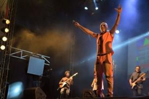 Gustavo Cordera brindó un espectáculo sublime en la Costanera de Posadas