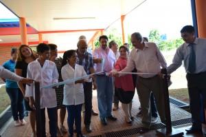 Closs destacó las políticas de educación y salud en la inauguración de una escuela secundaria y un CAPS en Itacaruaré