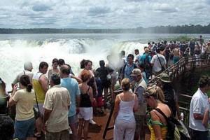Destacan como muy buena la temporada turistica con 30 millones de viajeros por el país