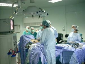 Realizaron en Sudáfrica el primer trasplante de pene en el mundo