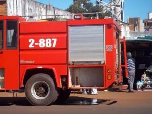 Bomberos rescataron a cinco personas atrapadas en ascensor de un edificio céntrico de Posadas