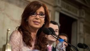Cristina anunció la estatización de los ferrocarriles