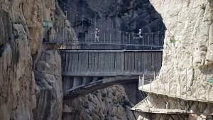 Reabrió el sendero más peligroso del mundo y ya se animaron los primeros turistas valientes