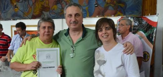 Passalacqua entregó títulos de propiedad a vecinos de Oberá