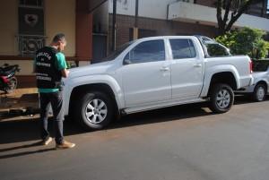 En una camioneta secuestrada en Garupá encuentran cheques y documentación relacionados con una estafa en Chaco
